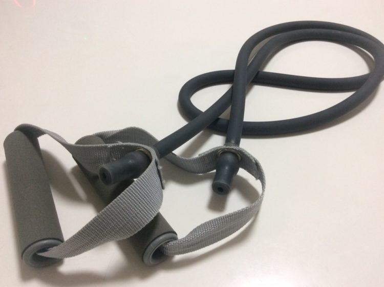 ワークアウト(筋トレ)につかうトレーニングチューブの写真